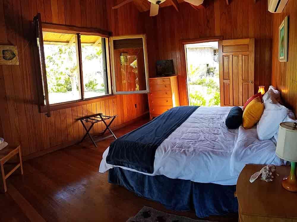 Cabaña Arrecife Room #1 & Room #2 / Cabaña Palmas Room #3 & Room #4